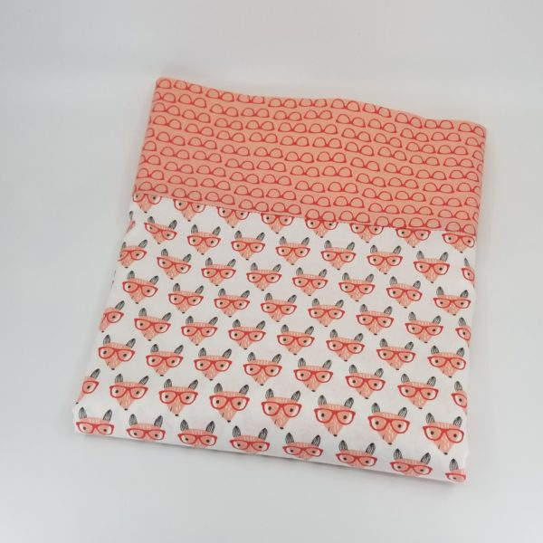 Pillowcase with pattern of fox wearing glasses, border of pink glasses